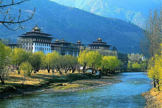 Pho Chu river and punakha dzong