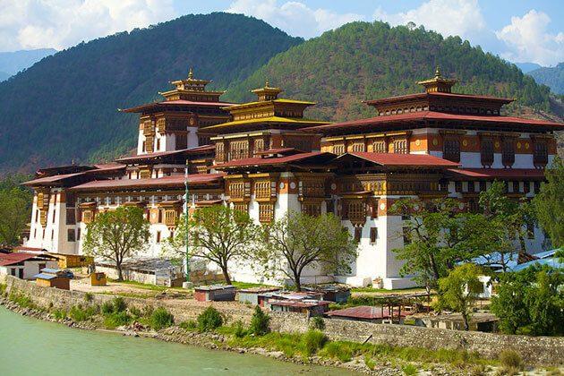 Punakha Dzong - view from outside