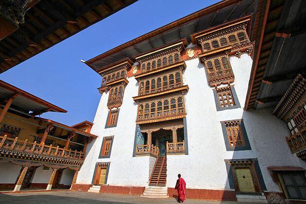 Rinpung Dzong - attraction for Bhutan trekking tour