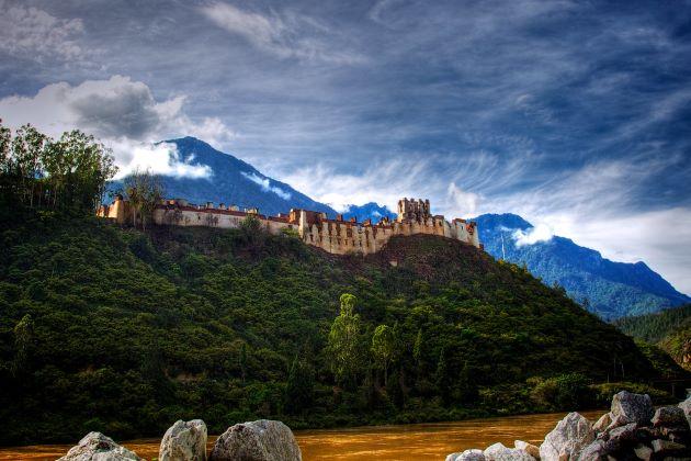 Wangdu Phodrang Dzong in bhutan