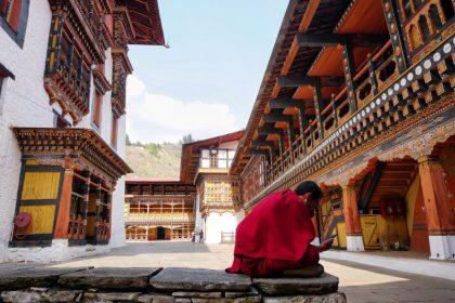 bhutan tours luxury exclusive 8 days